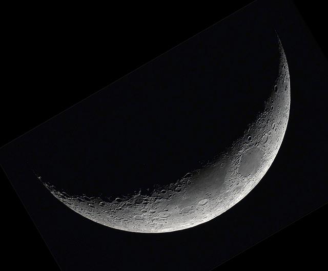 moon20190706bl.jpg